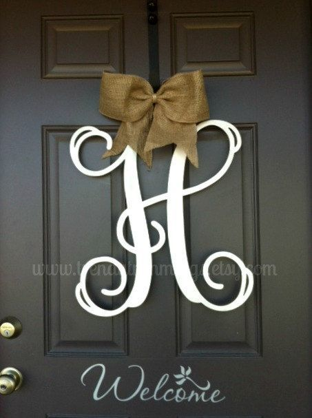Exceptionnel 30+ Beautiful Front Door Monogram Decorating Ideas